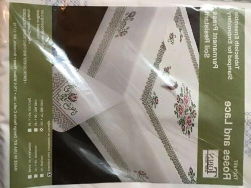 tobin roses and lace tablecloth 50x70 oblong
